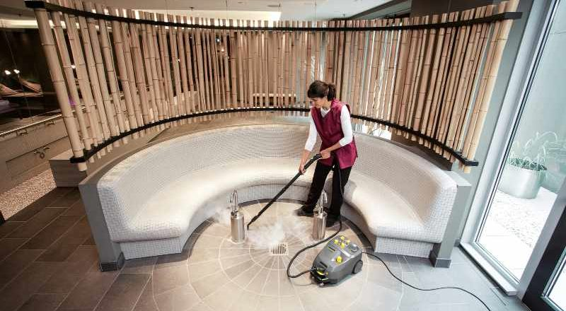 Steam cleaning in a hotel or spa