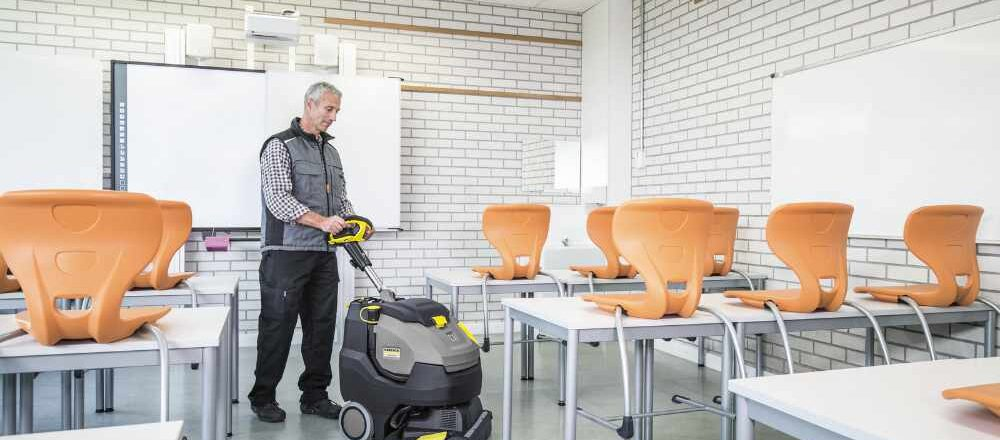 Deep cleaning a school floor with a scrubber dryer